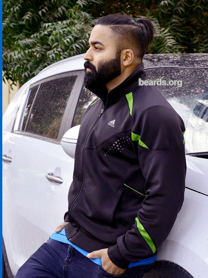Fiyas' beard photo 3